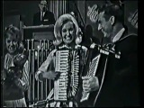 Janet Lennon (The Lawrence Welk Show) - Tick Tock Polka (1964)